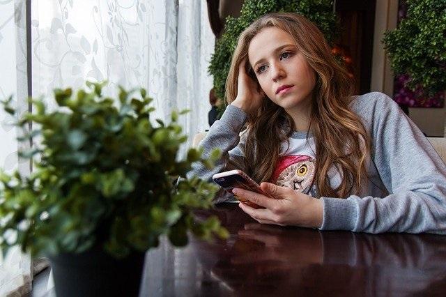el arte de saber esperar en la era digital. Charlando en el patio